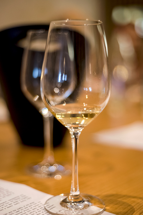 wine-glasses-tasting-france-anna-dufour